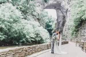 ari-mimi-wedding kiss